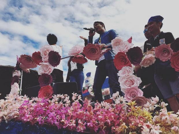 PHOTOS: Cardo, Glen, Onyok at Benny, naki-fiesta sa Baguio Panagbenga Festival