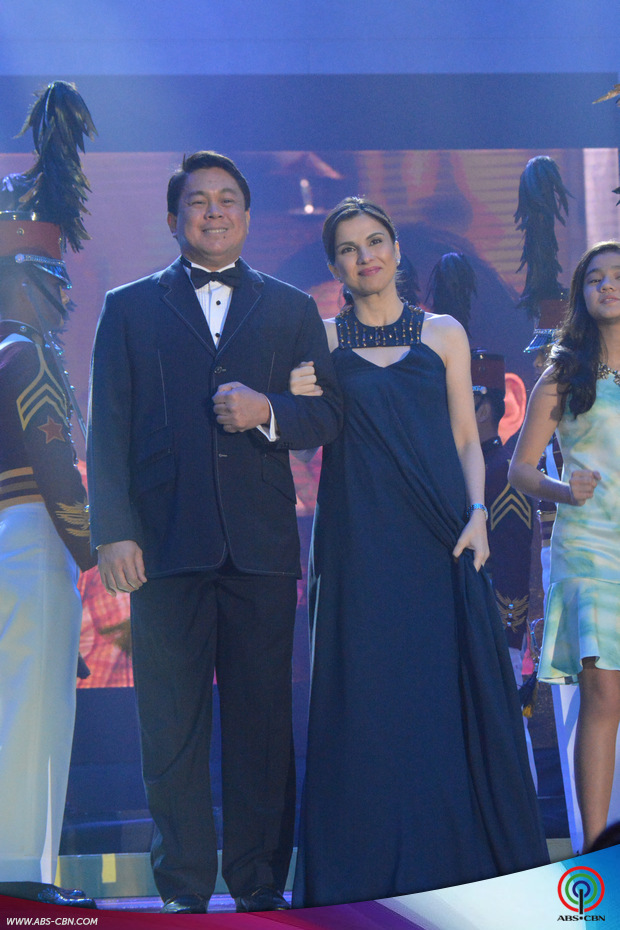 PHOTOS: The powerhouse cast of FPJ's Ang Probinsyano at the ABS-CBN Trade Event