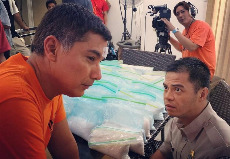 On the set of FPJ's Ang Probinsyano: Off Cam Kulitan sa Bilibid