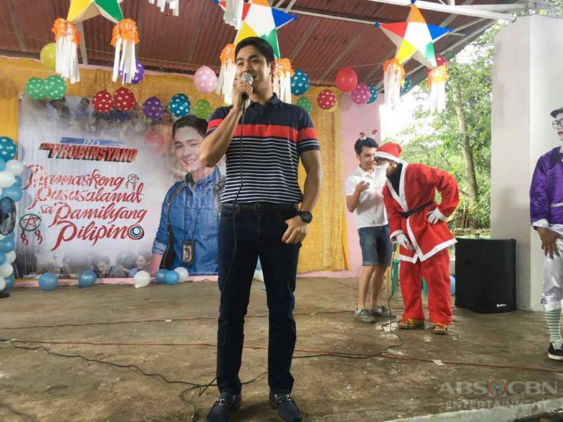 Coco Martin gives Christmas Gifts to the students of Paradise Farm Elementary School