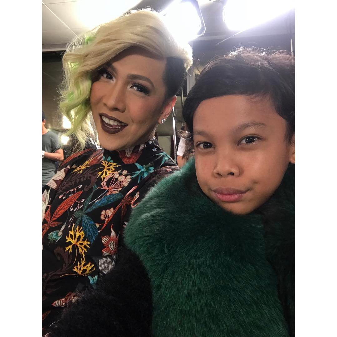"28 best ""kulitan"" photos of Awra w/ celebs that will make you want to be his friend too!"