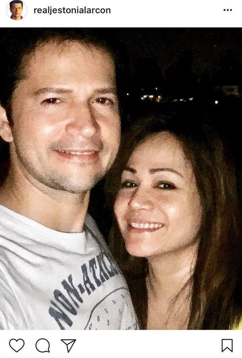 IN PHOTOS: The gorgeous wifey of Jestoni Alarcon for 26 years!
