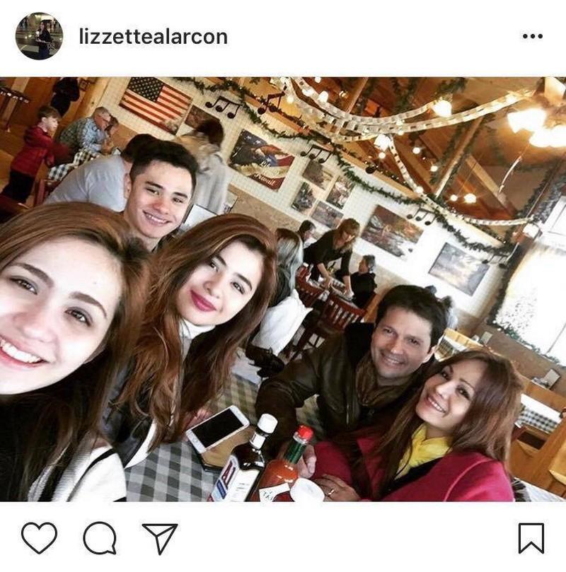 Holy Genes! Jestoni Alarcon  with his look-alike kids!