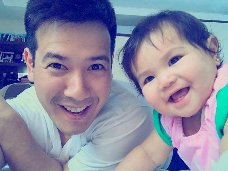 '90s Pinoy Teen Heartthrob John Prats with his picture-perfect family