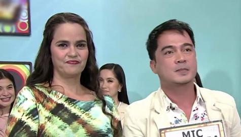 It's Showtime: Dutch My Latina Bonnevie, napili si Mic Bukas Pa bilang kanyang KapareWHO! Image Thumbnail